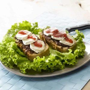 tartines-chevre-pesto-fraise-batavia