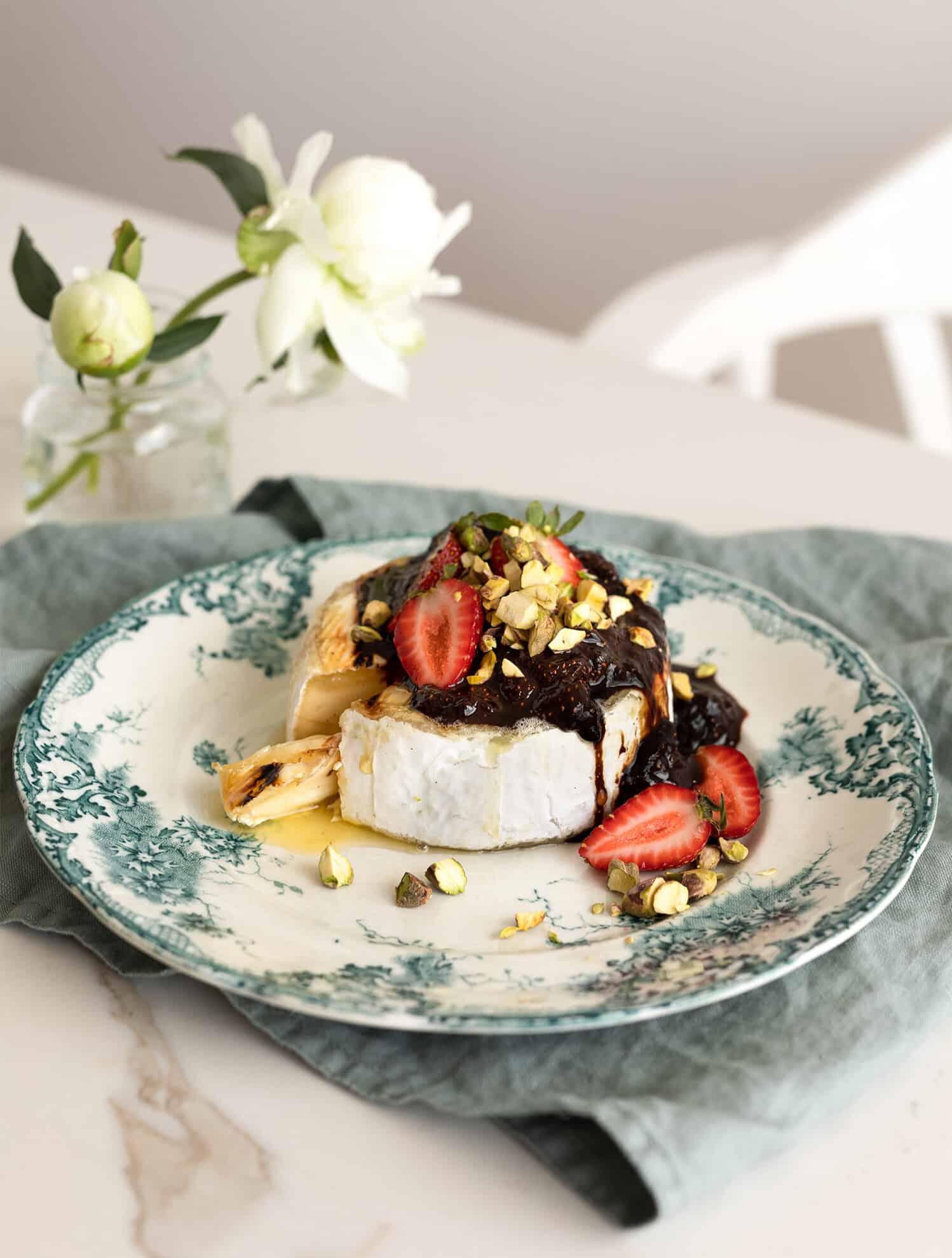 Brie pistache, fraises