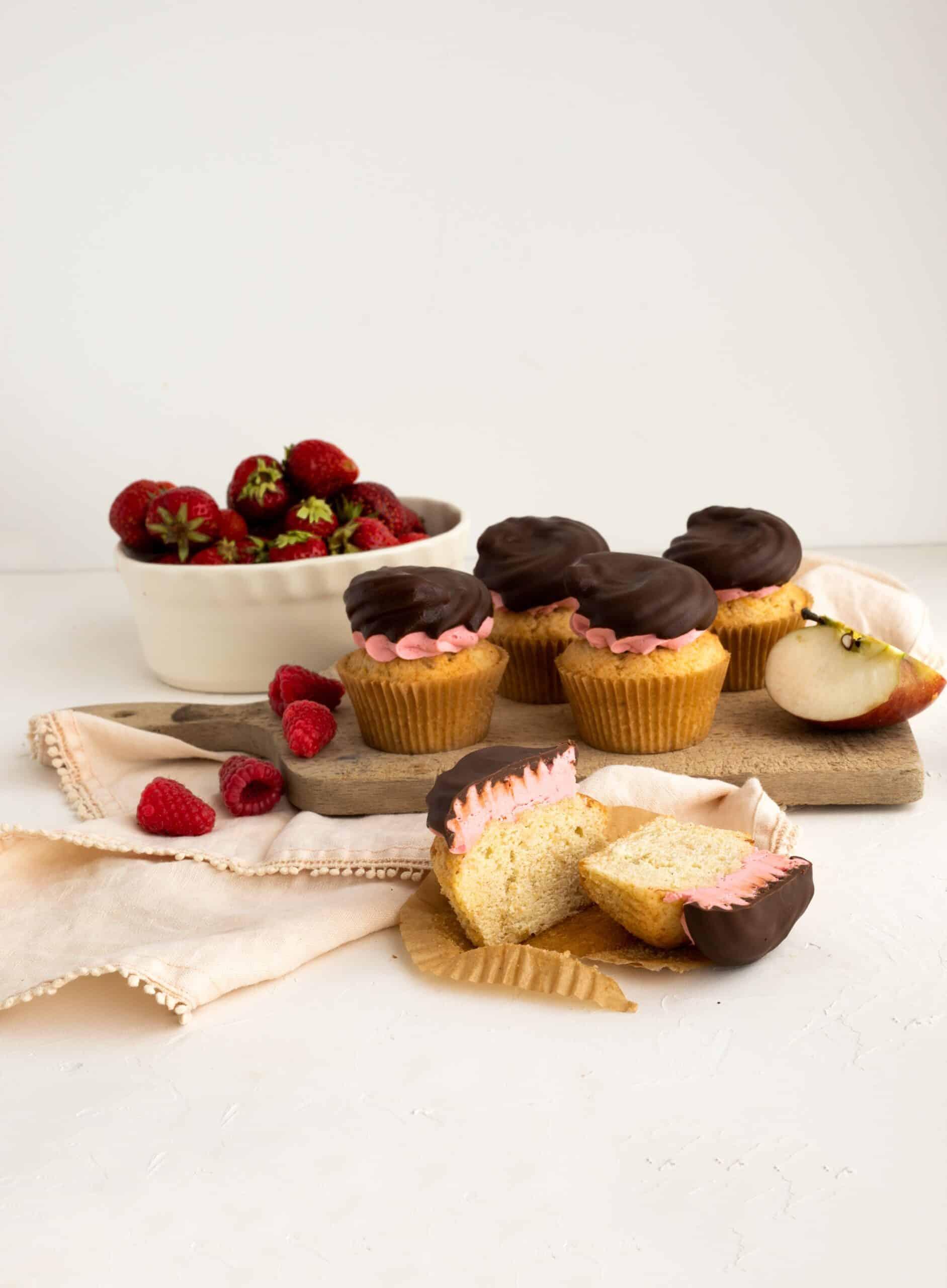 Cupcake pommes, fraises, framboises et chocolat